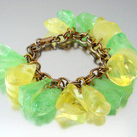 Chunky Lemon Lime Plastic Charm Bracelet / Citrus Molded Lucite Dangle / Vintage 1960s Jewelry