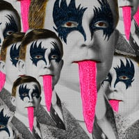 kiss Art Print by DIVIDUS