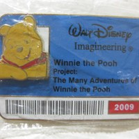 Disney Badge Pin Collection Winnie The Pooh 2009 Limited Edition Of 300