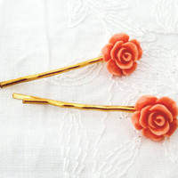 Flower Bobby pin Two Peach rose set in gold Bobby by KandyDisenos