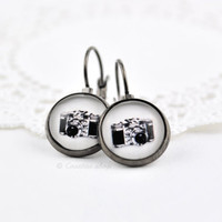 Vintage Camera Dangle Earrings, Blak and White Earrings, Glass Dome, Gunmetal Earrings, Pendant Earrings, Camera Jewelry, Vintage Style