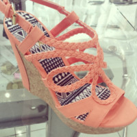 crushing in coral wedges
