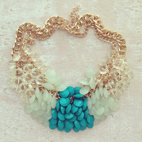 GARDEN CLUSTERS NECKLACE