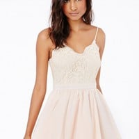 Missguided - Shiraz Strappy Lace Detail Puffball Mini Dress In Cream
