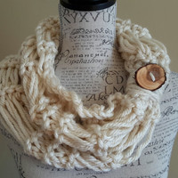 knit button cowl. chunky cowl. Made by Bead Gs on ETSY. Cream cowl.