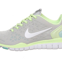 NEW! Nike Free TR Fit 2 Womens Shoes Sneakers Style#487789 005 Grey Yellow