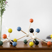Ferm Living Decorative Molecules by: Ferm Living - Huset-Shop.com |