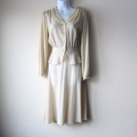 80s Does 40s 2 Piece Suit Dress in Beige Linen, Romantic Fluttery Peplum Lace Trimmed Blouse