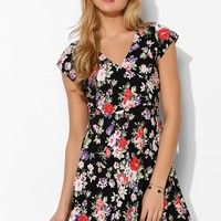 Motel Julia Floral Surplice Dress - Urban Outfitters