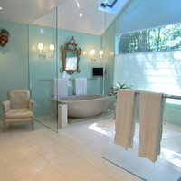 HGTV&#x27;s Top 10 Bathrooms - Seafoam Green