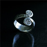 Beautiful And Unique Silver Ring - Tribal Jewelry - Ethnic Jewelry - Unisex Jewelry - Native American Jewelry - Indian Jewelry