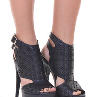 Closet Candy Boutique · Walk The Walk Heels - Black
