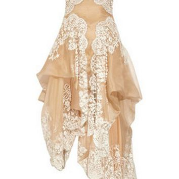 Alexander McQueen|Lace and organza strapless gown|NET-A-PORTER.COM