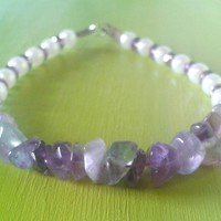 Purple amethyst gemstone beaded bracelet