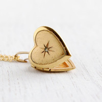 Vintage Heart Locket Necklace - Gold Filled 1940s Sweetheart Late Art Deco Era Etched Star Jewelry