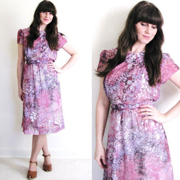 Vintage Floral Dress / 1970s Purple and Pink Dress