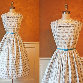 1950s Dress - Vintage French 50s Dress - Novelty Gargoyle Perfume Bottle Cotton Full Skirt Sundress M L - Les Parfums - The Euro Collection