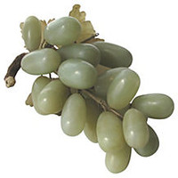 Jade Grapes w/ Translucent Carved Leaves