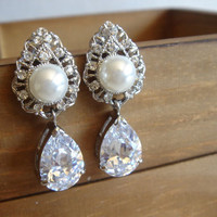 Syanne Large Statement Pearls and Lace Drop Earrings. Bridal Jewelry. Vintage Inspired Earrings. Rustic Jewelry