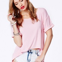 Missguided - Silvina Tee With Curved Hem In Pink