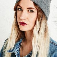 Lightweight Ribbed Beanie Hat in Grey - Urban Outfitters