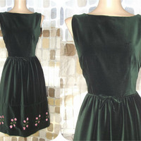 Vintage 50s 60s Embroidered Roses Green Velvet Dress 11 M/L Rockabilly VLV