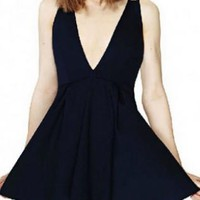 Black V-Neck Sleeveless Dress