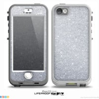 The Silver Sparkly Glitter Ultra Metallic Skin for the iPhone 5-5s NUUD LifeProof Case for the LifeProof Skin