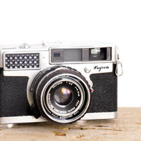 Vintage Fujica 35-SE Rangefinder Camera // 35mm Film Camera