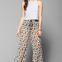 Band Of Gypsies Floral Chiffon Flare Pant - Urban Outfitters