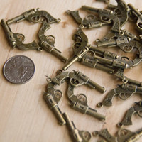 20 PCS Antique Bronze skull pistol Charm Pendant,metal finding,pendant beads, gun charms