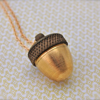 The Acorn Canister Necklace par verabel sur Etsy