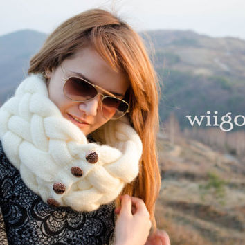 wiigora Braided Scarf, luxurious look, suitable for Gifts, Urban look