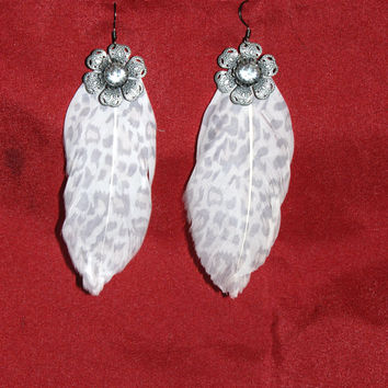 Dangling Feather Earring
