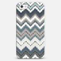 Gray Ikat Chevron iPhone 5s case by Organic Saturation | Casetagram