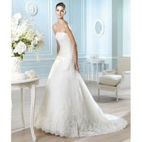 Noble Bateau Neckline Sweep A-line Lace Wedding Dress