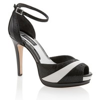White House | Black Market Contrast Heel