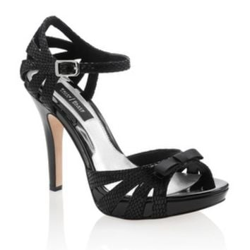 White House | Black Market Bow Heel