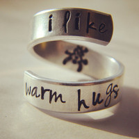 I like warm hugs aluminum swirl ring snowman inside