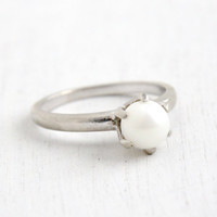 Vintage 10k White Gold Solitaire Pearl Ring- Size 6 Hallmarked BDA 1960s Era Fine Jewelry