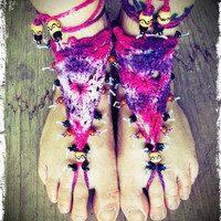 Crochet barefoot sandals - Tie Dye barefoot sandals - Nude shoes - Hippie Foot Jewelry - Beach Wedding Shoes - Beach shoes - Radiant Orchid