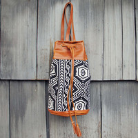 Shadow Path Tote