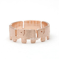 elephant ring, in pinkgold