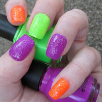 Neon Glitter Bomb Nail Art Set of Artificial Nails by EmineeGoods