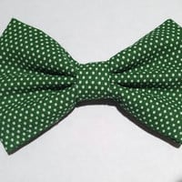 Vintage style bow made of fabric