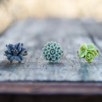 Green &amp; Grey Lily Mum Flower Vintage Style Ring Set - Wasabi | Luulla