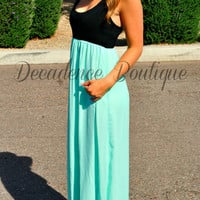 THE SWEETHEART CHIFFON MAXI DRESS IN MINT/BLACK