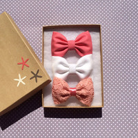 Coral, white and vintage coral lace hair bows by Seaside Sparrow. Perfect birthday gift for any girl.