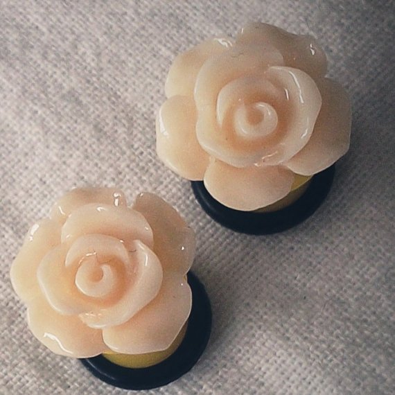 6g 4mm Yellow Flower Plugs Gauged Studs pastel by Glamsquared