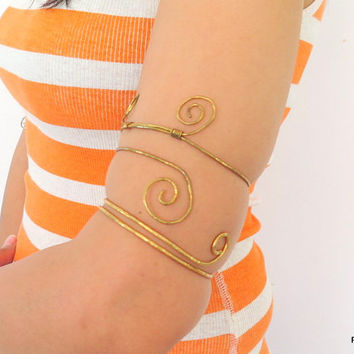 Tribal upper arm cuff, hammered brass gypsy armlet, over the elbow bracelt